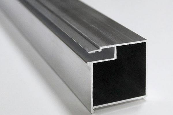 Алюминиевый брус БП 40 для более удобного монтажа скрытых карнизов с перегибом